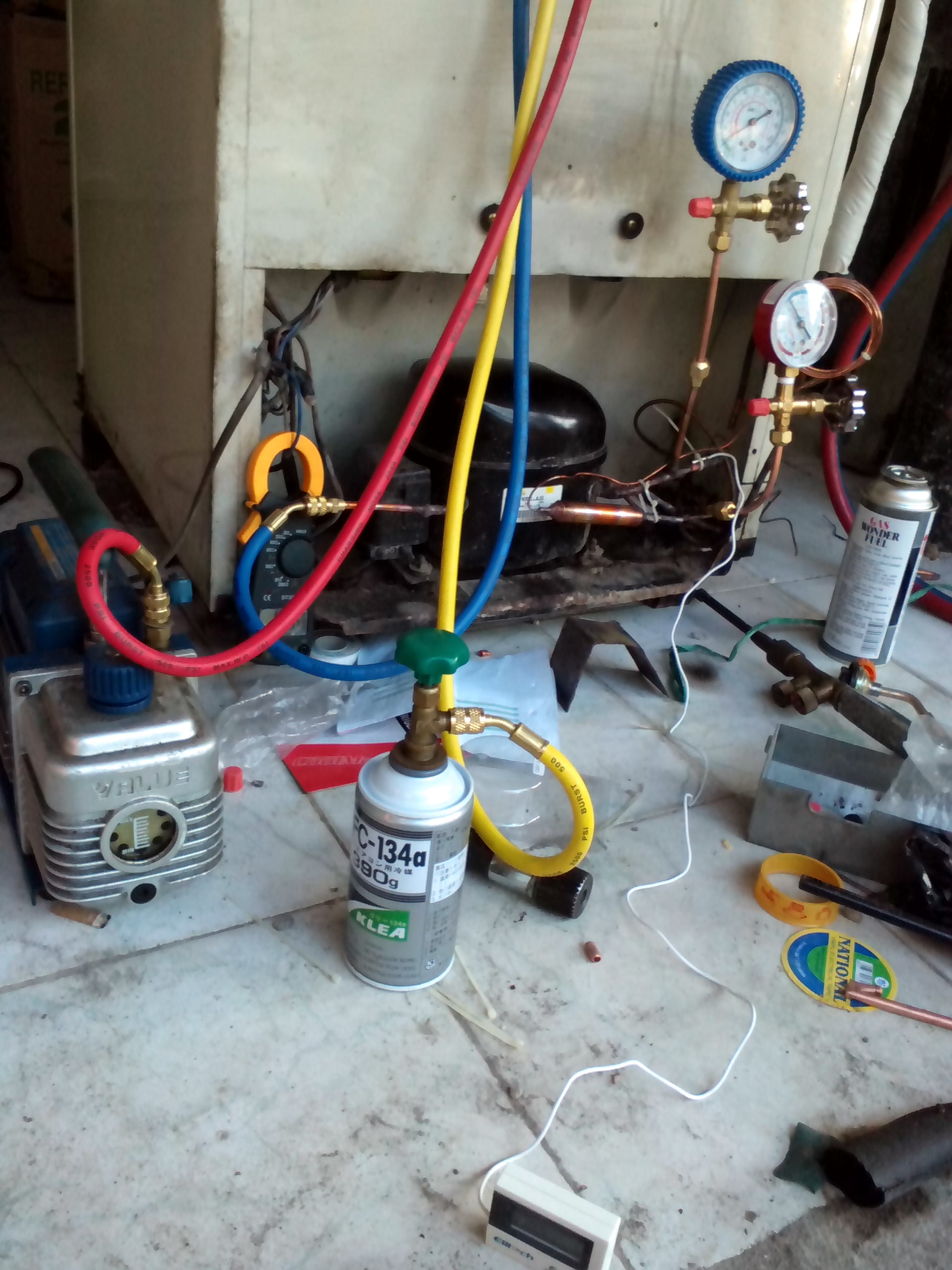Penelitian mengenai penggunaan refrigeran hidrokarbon yang dilakukan oleh penulis