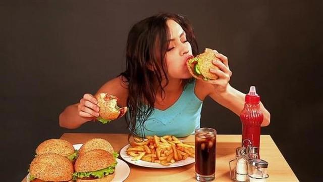 makan mempengaruhi emosi